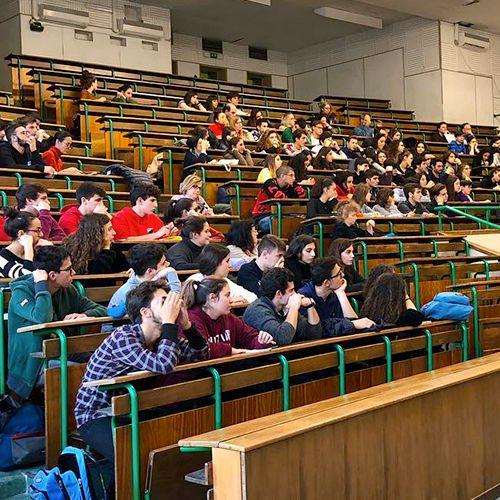 studenti durante una conferenza